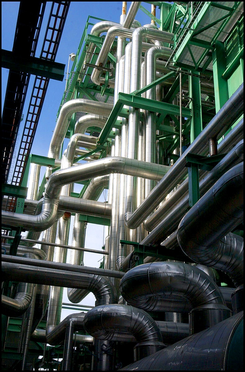 Upview of pipes utilizing insulation